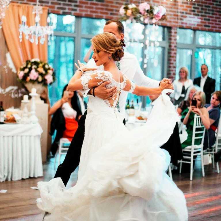 Свадебный танец жениха и невесты: как выбрать стиль и