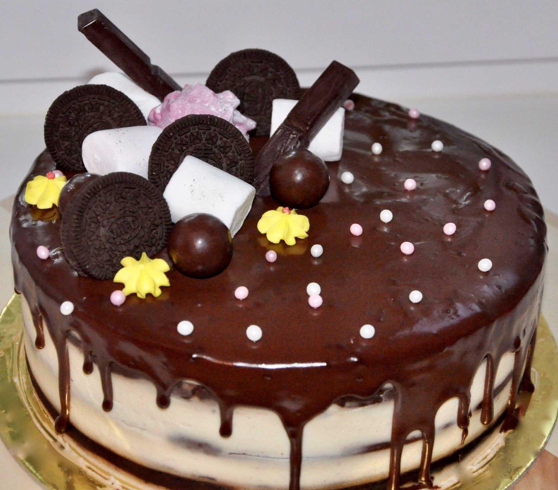 Свадебный двухъярусный торт (51 фото): кремовый двухэтажный десерт на свадьбу с ягодами и цветами, красивое украшение торта с помощью мастики, роз и лебедей